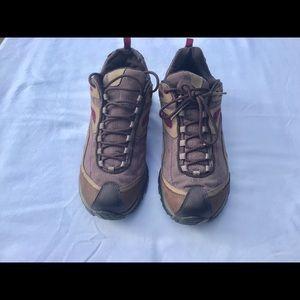 Merrell Siren Sync dusty rose hiking shoe. 9.5